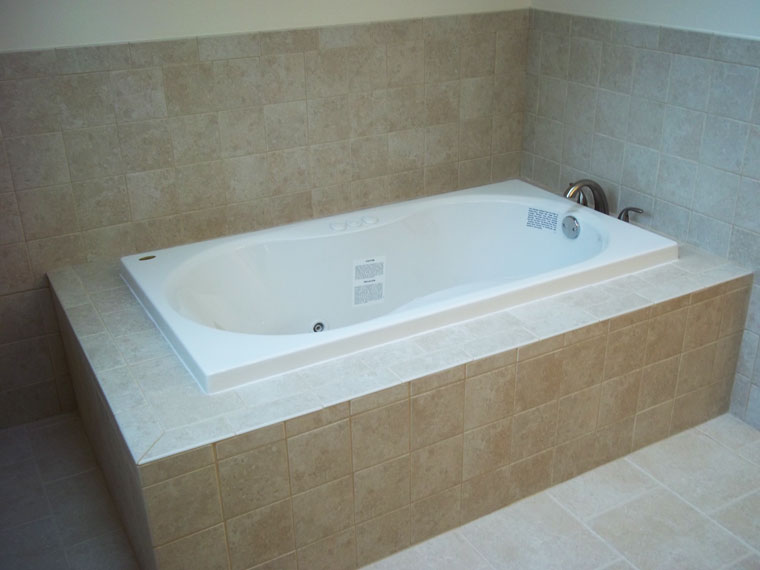 The new Whirlpool-bath-and-tile in West Dundee